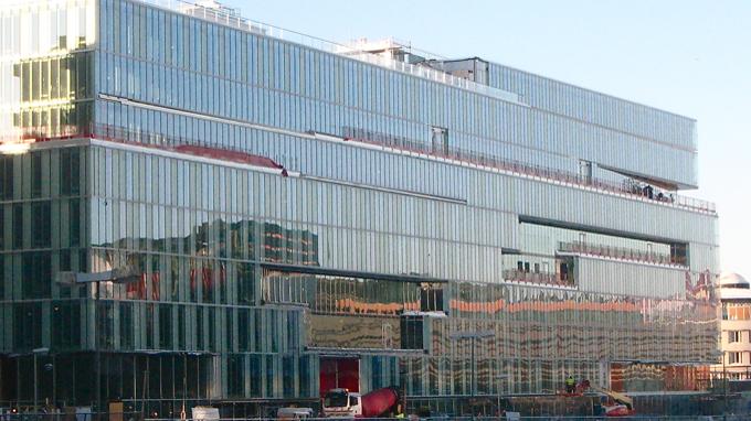 Bildtext: Det miljöklassade Kungsbrohuset eller Schibstedthuset, invigt i maj 2010. Foto Wikipedia Commons.